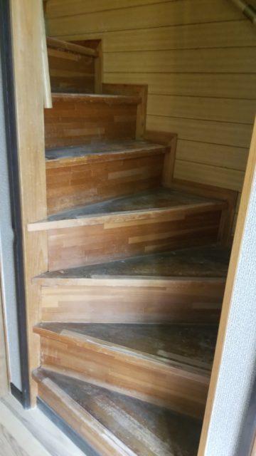 階段 パンチカーペット